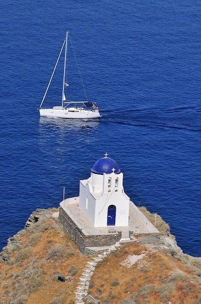 Εμφανής ο συμβολισμός του μπλε και του λευκού (φωτογραφία από το διαδίκτυο)