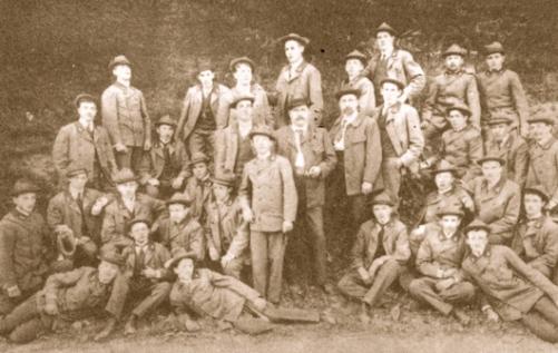 Σπουδαστές της Δασικής Ακαδημίας του Tharandt στη Σαξωνία το 1904. Εκεί κατευθύνθηκαν πολλοί Έλληνες υπότροφοι της δασολογίας.