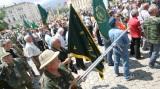 Οι κυνηγοί διαμαρτύρονται ενάντια στην ανεξέλεγκτηλαθροθηρία
