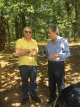 Δρυοδάσος Φολόης: Επίσκεψη του Αν. Υπουργού Περιβάλλοντος Γ. Τσιρώνη με τον Δασάρχη Πύργου Π.Λάττα